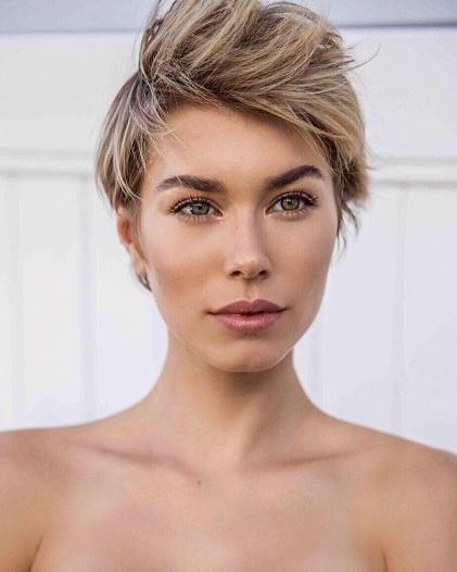 Zoe Hoad